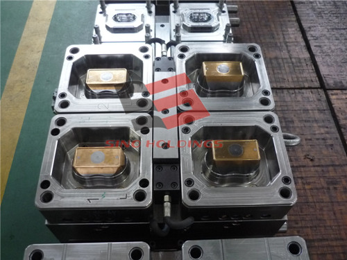 Plastic container mould testing