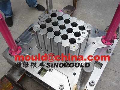 bottle crate mould cavity core pictures 1